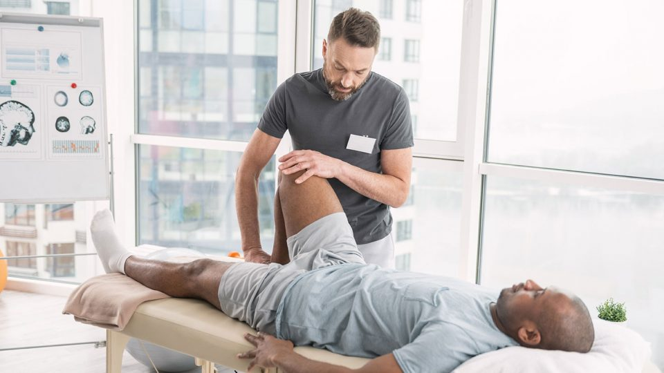 Young Man General Knee Sports PT